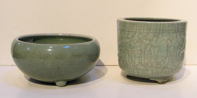 Two celadon crackle glazed pottery censers Qing Dynasty
