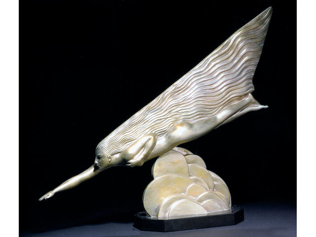 An exceptionally fine exhibition standard sculpture,'La Comete' by Maurice Guiraud Riviere (1891-1967), French circa 1925, 24in long.