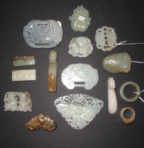 A group of fifteen nephrite and hardstone ornaments