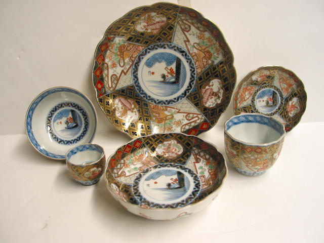 An Imari porcelain luncheon service for ten (damage, losses, ninety-nine pieces including