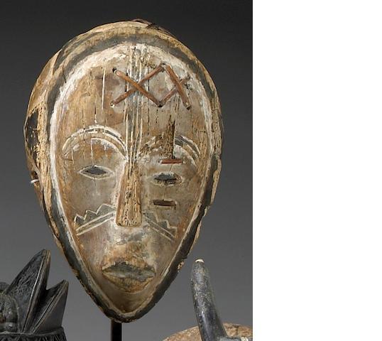 A Fang mask