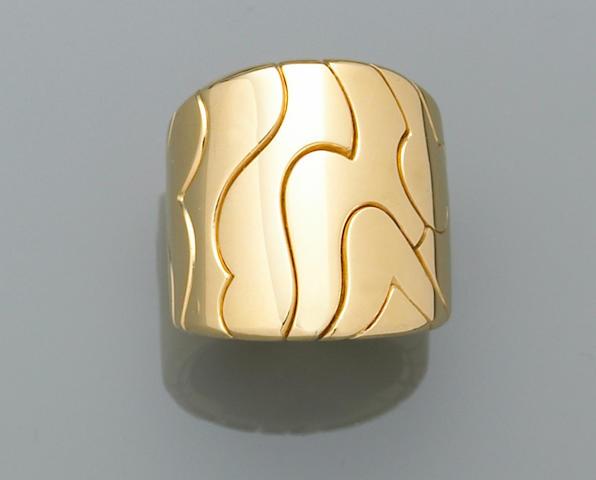 An eighteen karat gold ring, Marina B.