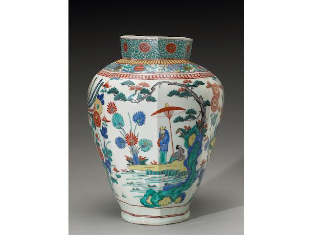 A large Kakiemon vase, 17th century