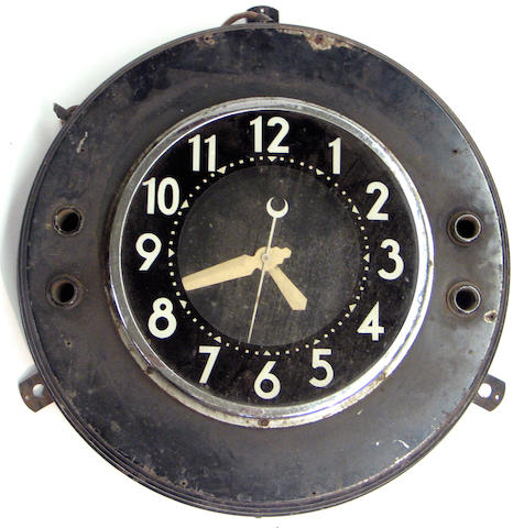 A neon wall mounting clock,