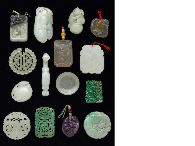 Fifteen miscellaneous carved hardstone ornaments, i broken