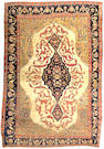 A Fereghan Sarouk rug Central Persia, Size approximately 6ft 6in x 4ft 4in