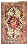 A Fereghan Sarouk carpet Central Persia, Size approximately 6ft 10in x 4ft 5in