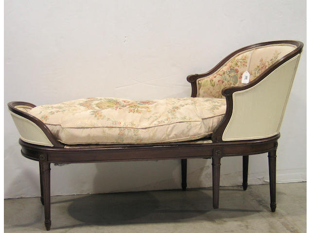 A Rococo Revival walnut day bed @Third quarter 19th