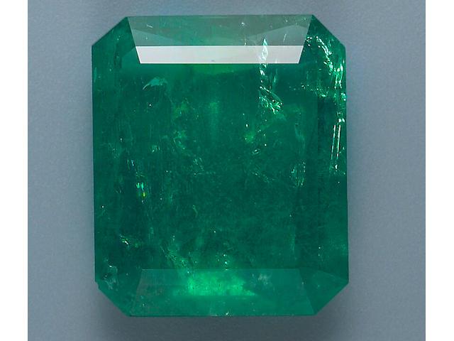 An unmounted emerald