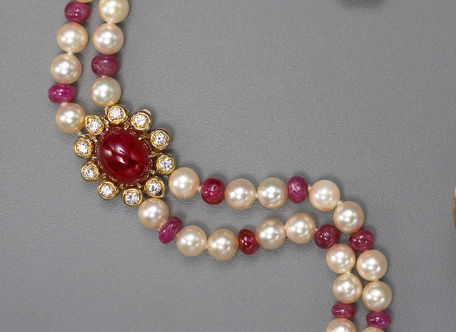 A cultured pearl, ruby and gold necklace
