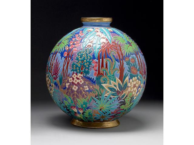 A Décoré Á Le Main polychromed earthenware vase