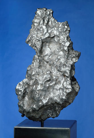 "CAMPO DEL CIELO — OUTSTANDING SCULPTURAL IRON METEORITE FROM THE ""VALLEY OF THE SKY"""