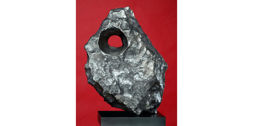GIBEON — NATURAL SCULPTURE FROM OUTER SPACE EVOKES THE WORK OF BARBARA HEPWORTH