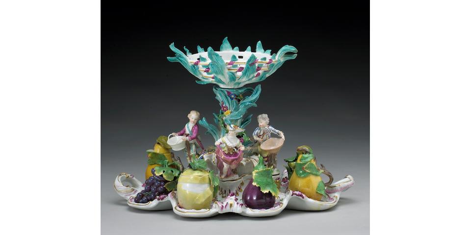 A fine and rare Meissen porcelain figural centerpiece: Tafelaufsatz mit Gewürzbüchsen