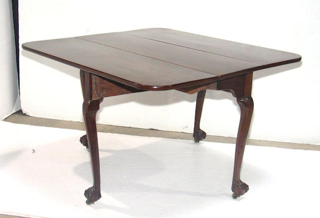 A George II mahogany dropleaf table