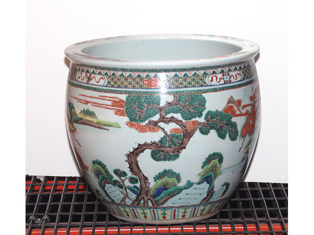 A famille verte enameled porcelain jardiniere