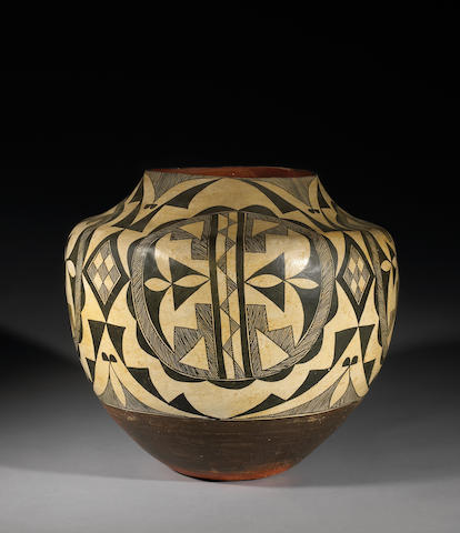 An Acoma storage jar