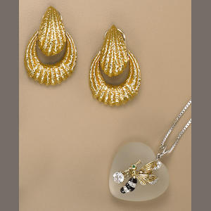 A diamond, gem-set and bicolor gold pendant necklace and a pair of eighteen karat gold earrings, Erwin Pearl,