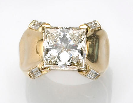 A diamond and eighteen karat gold ring