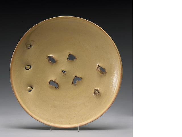Peter Voulkos (American, 1924-2002) Untitled, 1974 (CR704.145-G) Diameter: 20in (50.8cm)