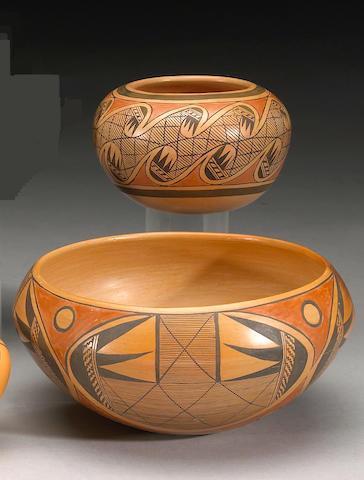 Two Hopi polychrome vessels: Fannie Nampeyo, Dextra Qutoskuyva