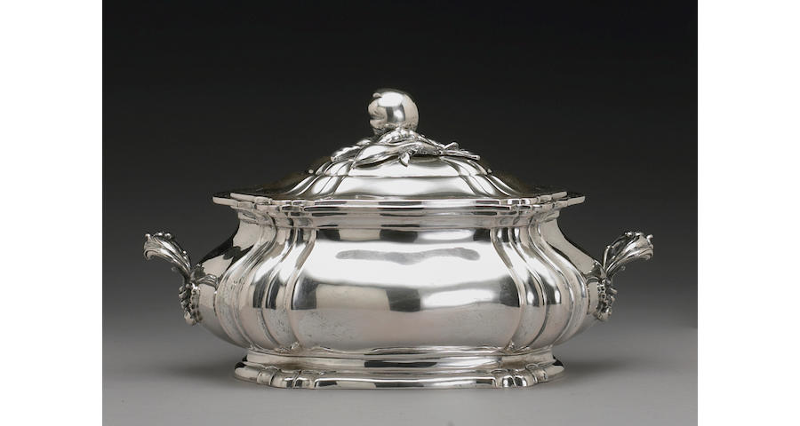 Italian Hand Wrought Silver Soup Tureen with Cover After the Antique
