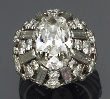 A diamond and platinum cluster ring