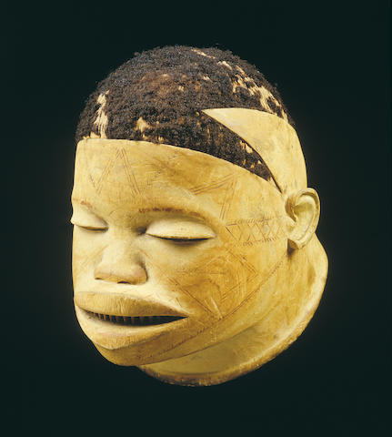 A Makonde helmet mask