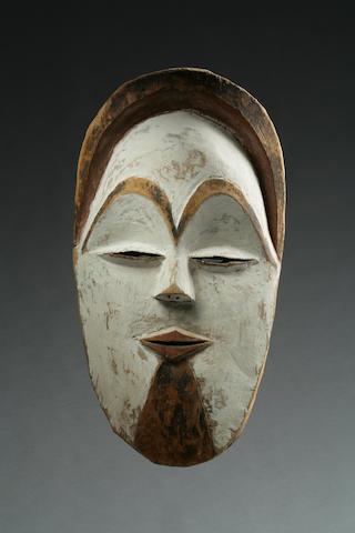 A Sango or Vuvi facemask