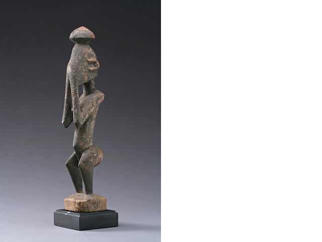 A Dogon standing figure