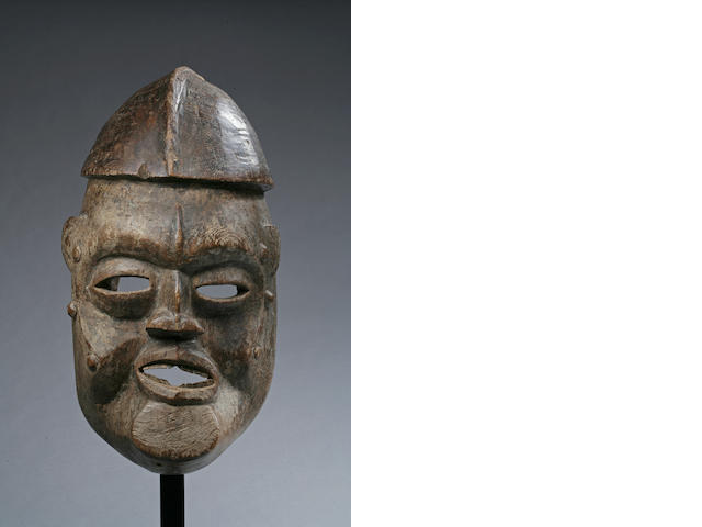 A Cross River facemask