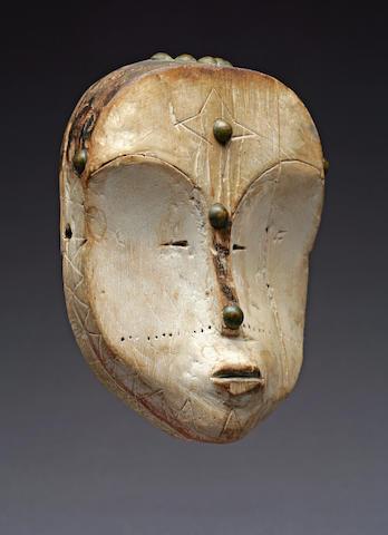 A Fang maskette
