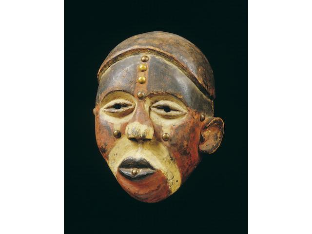 A Bakongo facemask