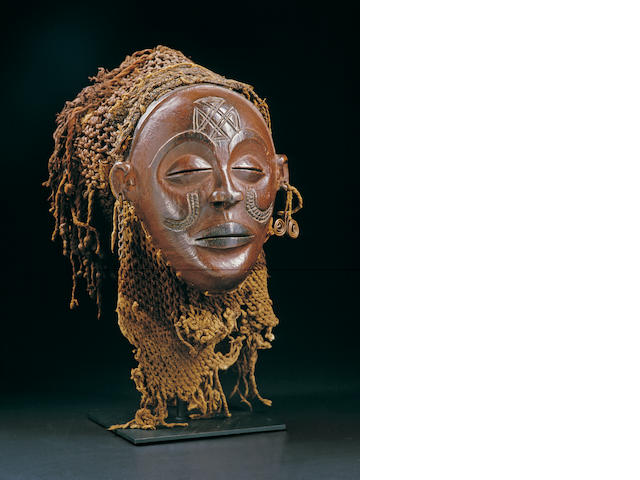 A Chokwe female facemask