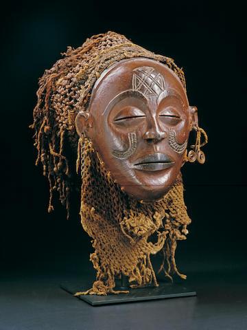 A Chokwe female facemask