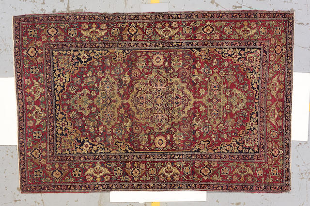 An Isphahan rug Central Persia, size approximately 4ft. 8in. x 7ft. 2in.