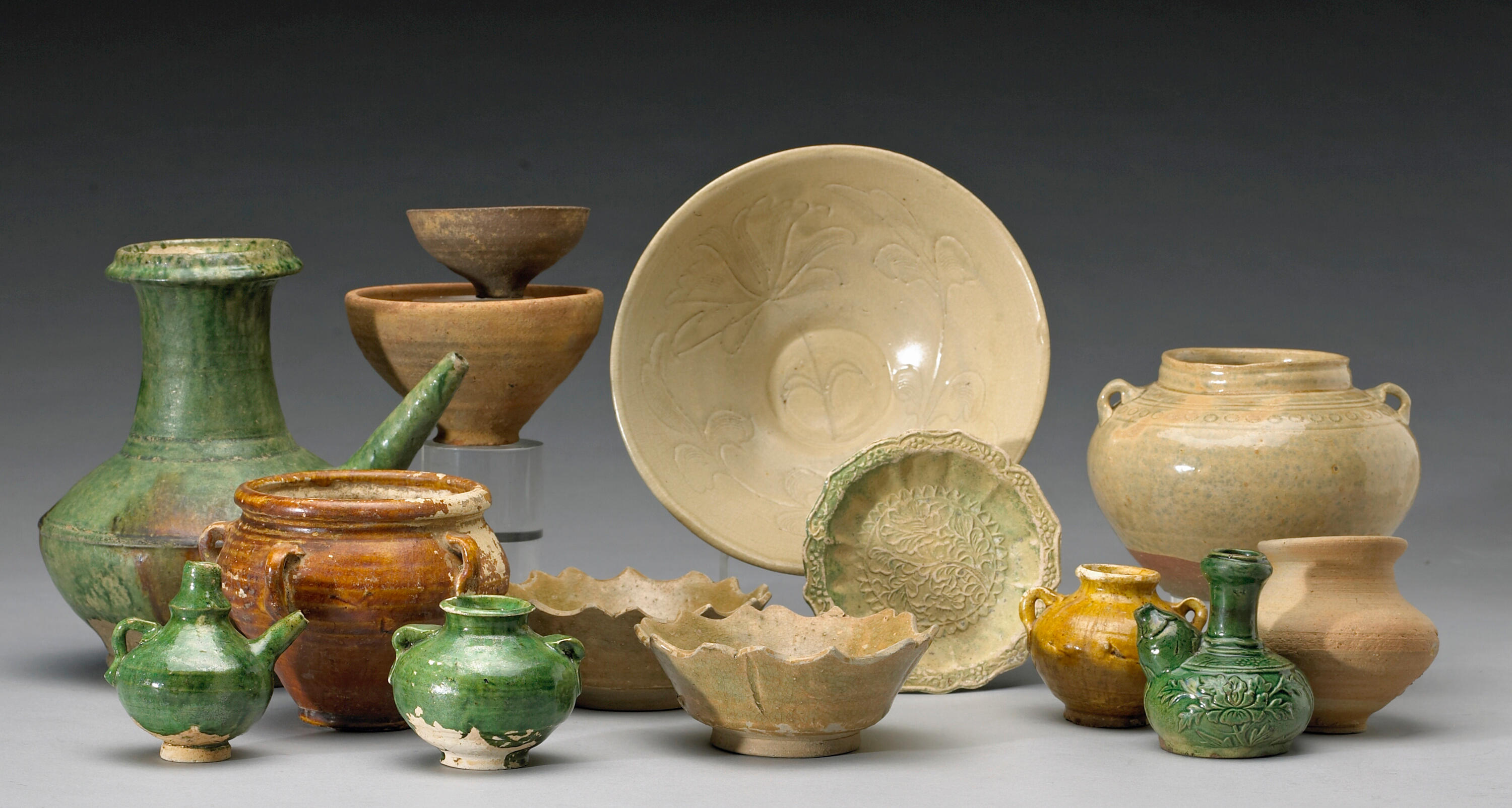 A group pottery ceramic trade wares