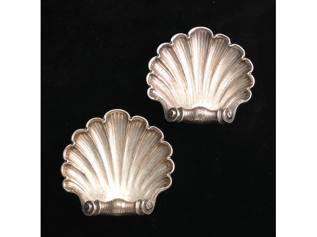 Italian Sterling Pair of Tripod Shell Dishes by Buccellati