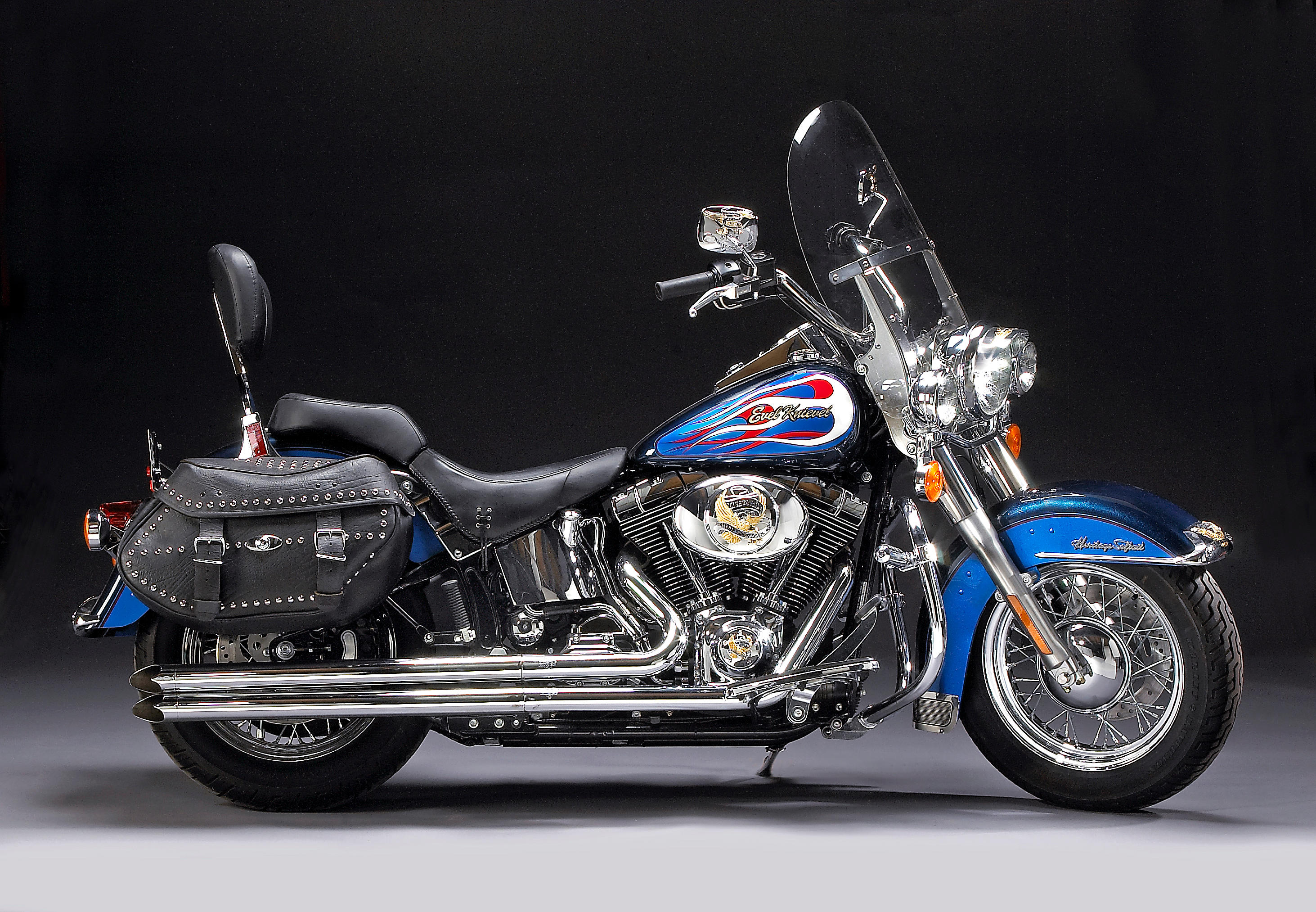 Formerly the property of the late Evel Knievel 2004 Harley-Davidson 88ci...