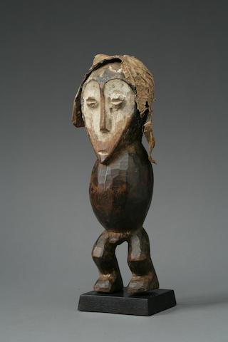 A Lega wood figure