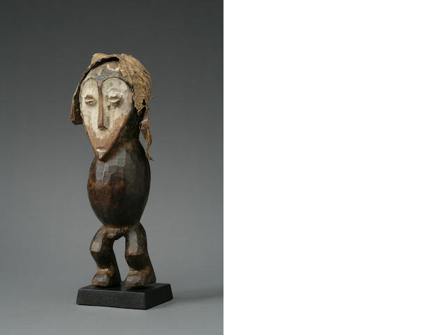 A Lega wood figure