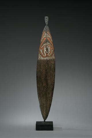 A Papuan Gulf bullroarer