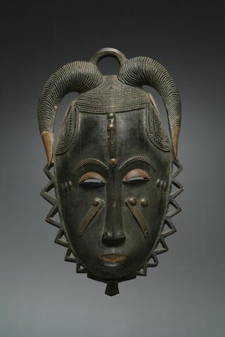 A fine Baule mask