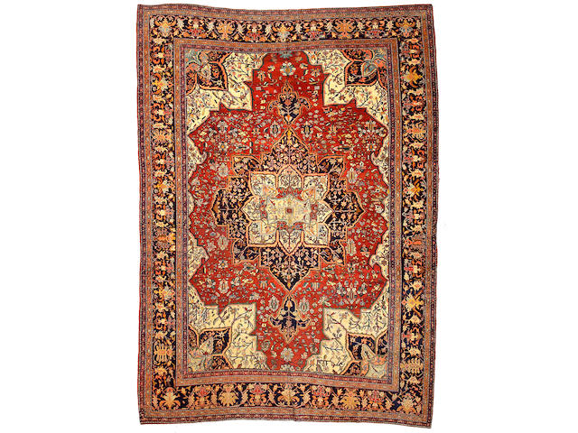 A Fereghan Sarouk carpet Central Persia, size approximately 8ft. 8in. x 12ft. 2in.
