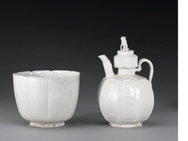Fine Molded Dingyao Ewer and Basin