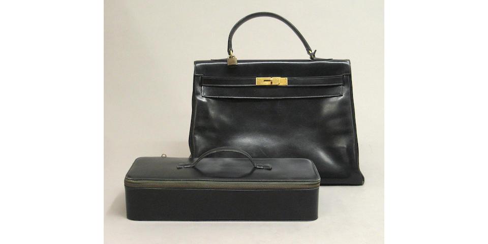 A Hermès Kelly 32cm handbag with jewelry case