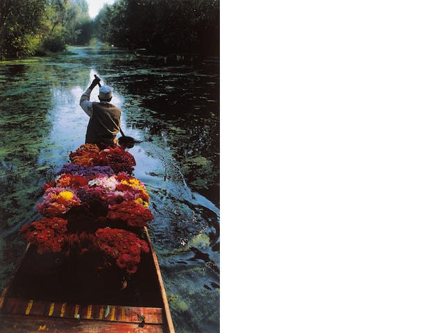 Steve McCurry (American, born 1950); Dal Lake, Kashmir, India;