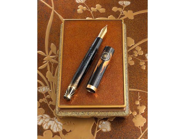 DUNHILL-NAMIKI: Motorities Maki-e Limited Edition Fountain Pen