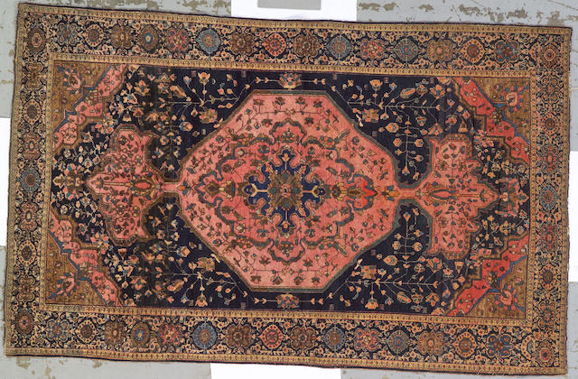 A Fereghan Sarouk rug Central Persia, size approximately 4ft. 3in. x 6ft. 6in.