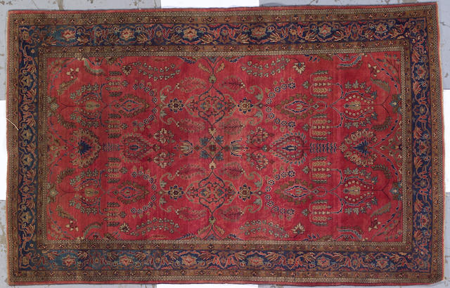 A Fereghan Sarouk rug Central Persia, size approximately 4ft. 2in. x 5ft. 8in.
